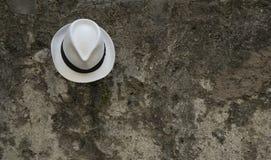 Cappello bianco dalla polizia del lago Fotografia Stock Libera da Diritti