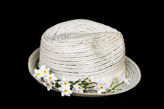 Cappello classico bianco con i fiori Fotografia Stock
