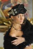 Cappello d'uso di alte mode della giovane donna Immagini Stock Libere da Diritti