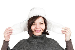 Cappello da portare sorridente di inverno della donna Fotografie Stock Libere da Diritti