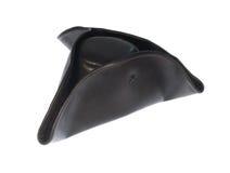 Cappello del triangolo del pirata isolato su bianco Fotografia Stock