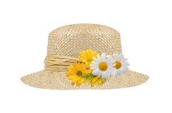 Cappello della donna con i fiori isolati Fotografia Stock