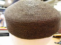 Cappello delle portapillole della paglia di Brown Fotografia Stock