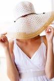 Cappello di divertimento della donna fotografia stock libera da diritti