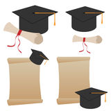 Cappello e diploma di graduazione Fotografia Stock