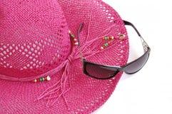 Cappello e vetri della spiaggia. Immagini Stock Libere da Diritti