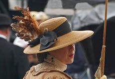 Cappello messo le piume a immaginazione Immagine Stock