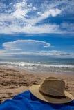 Cappello sulla spiaggia Fotografia Stock Libera da Diritti