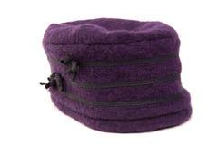 Cappello viola di inverno Fotografia Stock