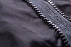 Cappotto dell'indumento con la chiusura lampo immagine stock