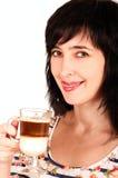 cappuccino η γυναίκα γλειψιμάτων τ&e στοκ εικόνες με δικαίωμα ελεύθερης χρήσης