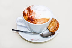 Cappuccino with cantuccini Royalty Free Stock Photos