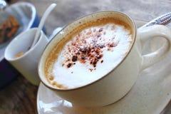 Cappuccino chaud Photographie stock libre de droits
