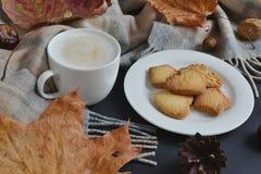 Cappuccino chaud Autumn Time de café de tasse de thé Photo stock