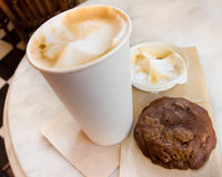 Cappuccino and cookie Royalty Free Stock Images