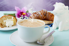Cappuccino and croissants Royalty Free Stock Photography
