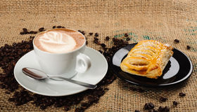 Cappuccino cup with croissant Royalty Free Stock Photos