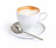 Cappuccino dans la tasse blanche Image libre de droits