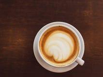 Cappuccino dans un restaurant, à une pause-café photographie stock