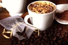 Cappuccino e cacau imagem de stock royalty free