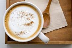 Cappuccino eller lattekaffe Fotografering för Bildbyråer