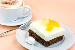 cappuccino kremowy brzoskwini kulebiak batożący jogurt Obrazy Royalty Free