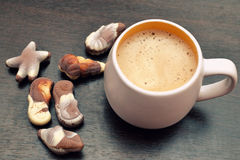 Cappuccino- och gourmetbelgarechoklad Fotografering för Bildbyråer