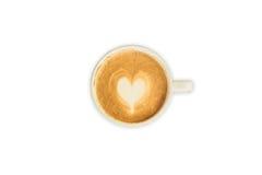 Cappuccino- oder Lattekunstkaffee auf lokalisiertem Weiß Stockfoto