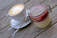 Cappuccino and panna cotta Royalty Free Stock Photos