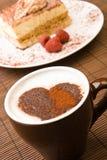 Cappuccino's met een chocoladehart Royalty-vrije Stock Afbeelding