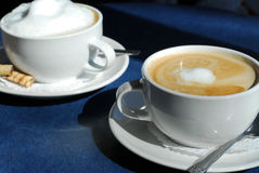 Cappuccino und Latte Stockbild
