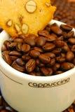 Cappuccinobecher Lizenzfreies Stockfoto