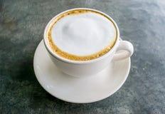Cappuccinokaffekopp royaltyfri fotografi