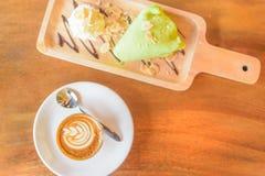 Cappuccinokoffie en cake Royalty-vrije Stock Fotografie