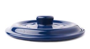 Cappuccio della pentola di cottura ceramica del vaso isolata sopra fondo bianco Fotografia Stock