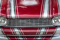 Cappuccio di vecchia automobile sportiva Fotografie Stock