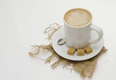 Cappucino met donkere suiker Stock Fotografie