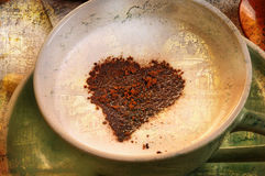 Cappucino mit Herzen, Weinleseart Lizenzfreie Stockbilder