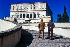 CAPRAROLA, ITÁLIA - 27 de novembro de 2011: A casa de campo Farnese na cabra Imagens de Stock