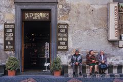 CAPRAROLA, ITÁLIA - 27 de novembro de 2011: Pouca vila no centavo Fotos de Stock Royalty Free