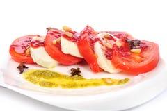 Caprese开胃小菜沙拉用mozarella乳酪, 图库摄影