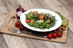 Caprese caprese σαλάτα ιταλική σαλάτα Μεσογειακή σαλάτα Στοκ φωτογραφία με δικαίωμα ελεύθερης χρήσης