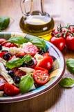 Caprese sałatka caprese sałatka włoskiej Śródziemnomorska sałatka carpaccio kuchni doskonale stylu życia, jedzenie luksus włoski  Zdjęcia Royalty Free
