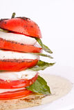 Caprese Salat mit Mozzarella, Tomate und Basilikum Stockbild