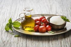 Capresesalade met mozarella en tomaat stock afbeelding