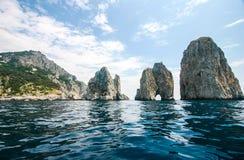 Capri, Ιταλία - Faraglioni στοκ φωτογραφία με δικαίωμα ελεύθερης χρήσης