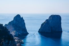 Capri ed il mare immagine stock