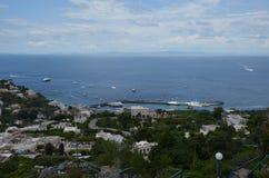 Capri, för hav, för himmel, för kust, kust- och oceaniska landforms arkivfoton