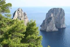 capri faraglioni海岛意大利岩石 免版税库存图片