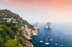 Capri, Italie Paysage côtier de la mer Méditerranée Image libre de droits
